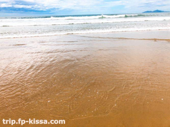 フュージョンマイアダナンの海は波がある
