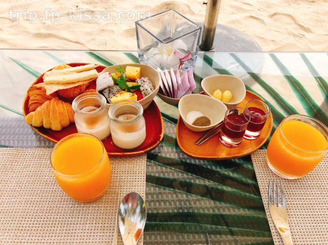 フュージョンマイアダナンのビーチでの朝食